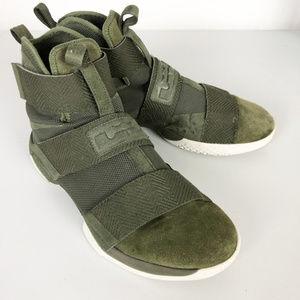 Nike Lebron Soldier SFG 10 Lux sneakers